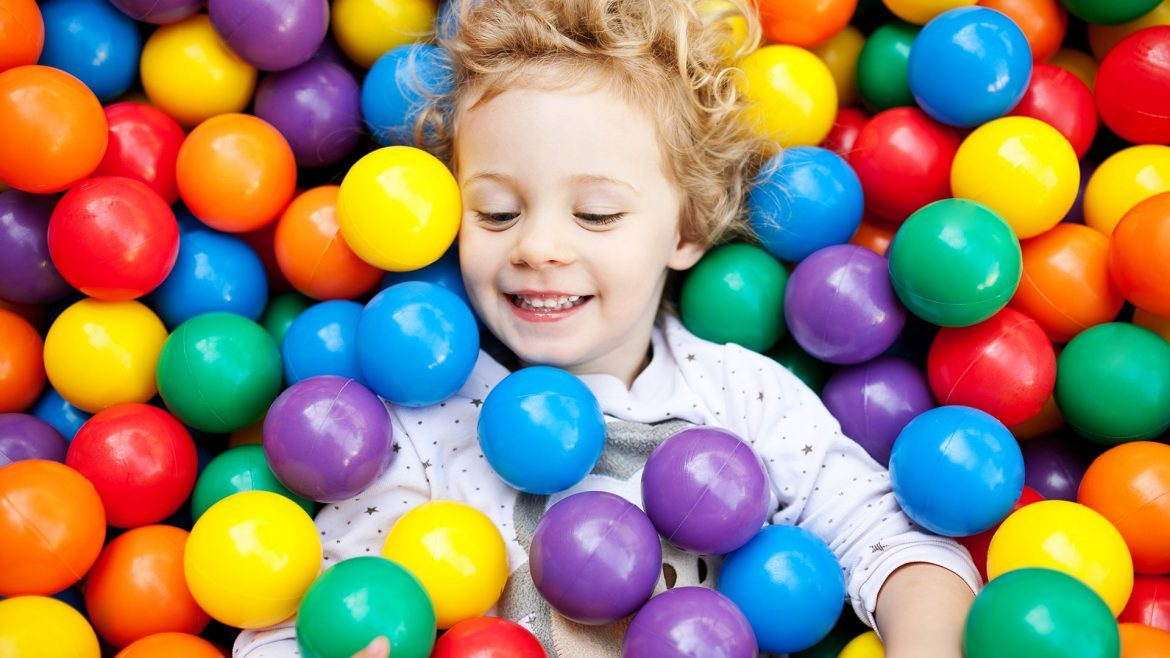 10 questions to ask before hiring kids party entertainers