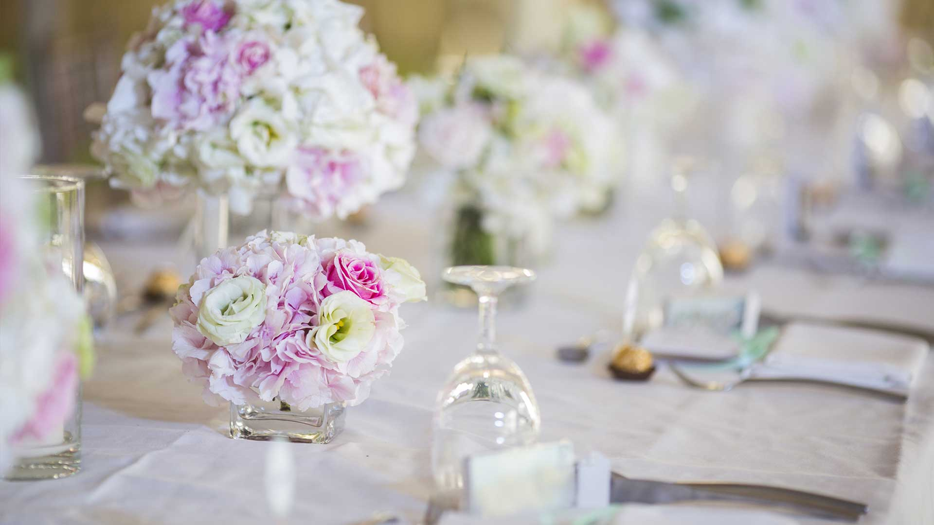 Top 4 Wedding Themes for Every Bridal Style - Bounce & Party