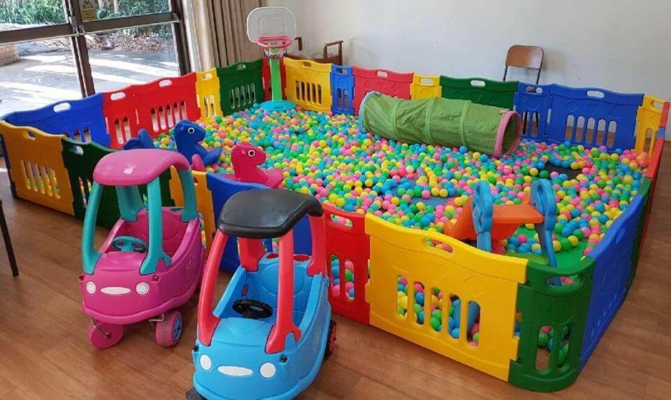 PLATINUM BALL PIT HIRE (CHILDRENS PARTY EQUIPMENT SUITABLE FOR KIDS AGE 1 TO 6 YEARS OLD)